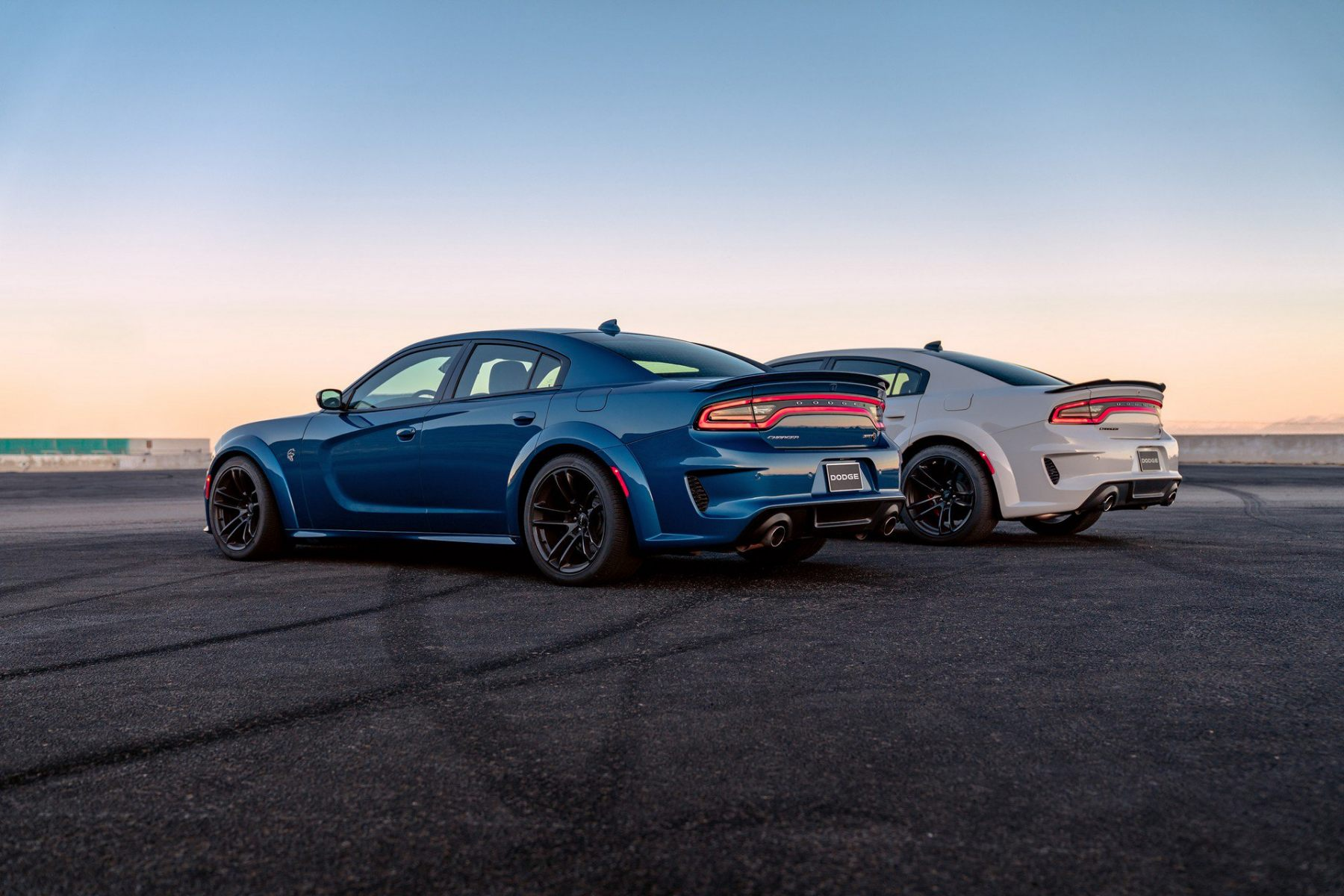 Dodge-Charger-Scat-Pack-SRT-Hellcat-Widebody-2020-4