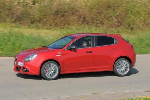 Ferrari berlina base Alfa Romeo Giulietta render
