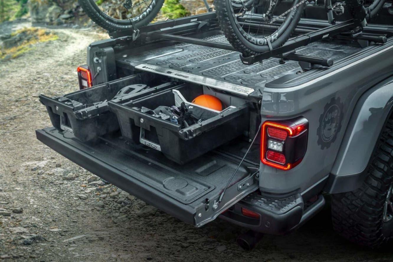 Jeep Gladiator: Mopar svela oltre 200 accessori per il ...