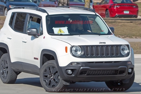 jeep-renegade-hybrid-07-2018jpg
