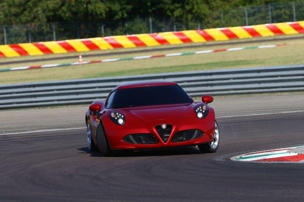 Alfa Romeo 4C nuovi fari