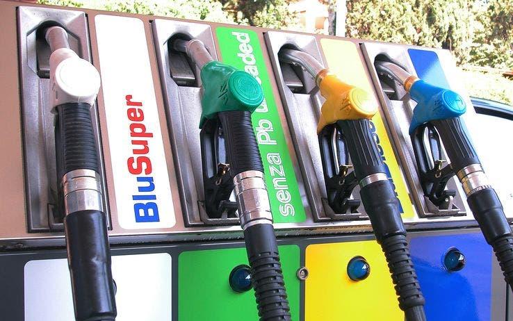 Tasse benzina e carburanti riduzione