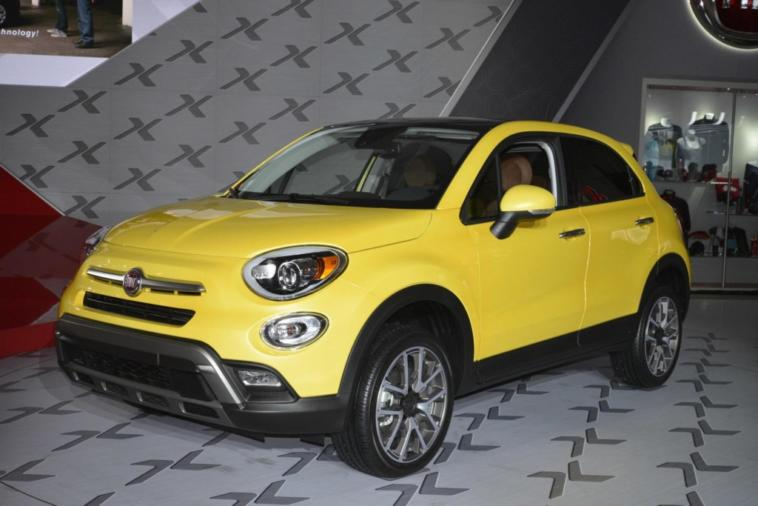 fiat 500x debutta negli usa al salone di los angeles 2014. Black Bedroom Furniture Sets. Home Design Ideas