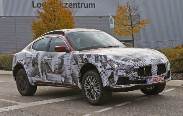 Maserati Levante foto spia