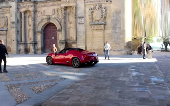Alfa Romeo 4C Spider video spia Spagna