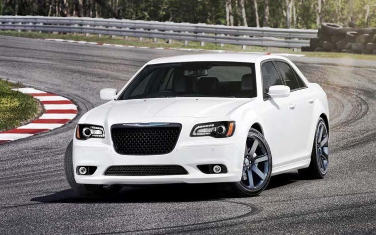 Chrysler 300 2015 restyling Salone di Los Angeles 2014