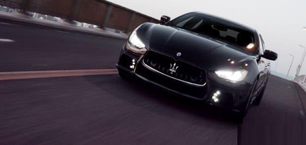 Maserati Ghibli Black Bison Giappone