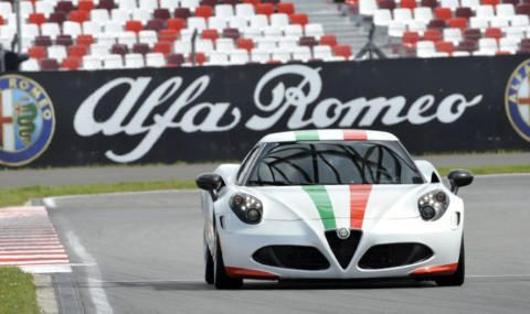 Alfa Romeo 4C Safety Car