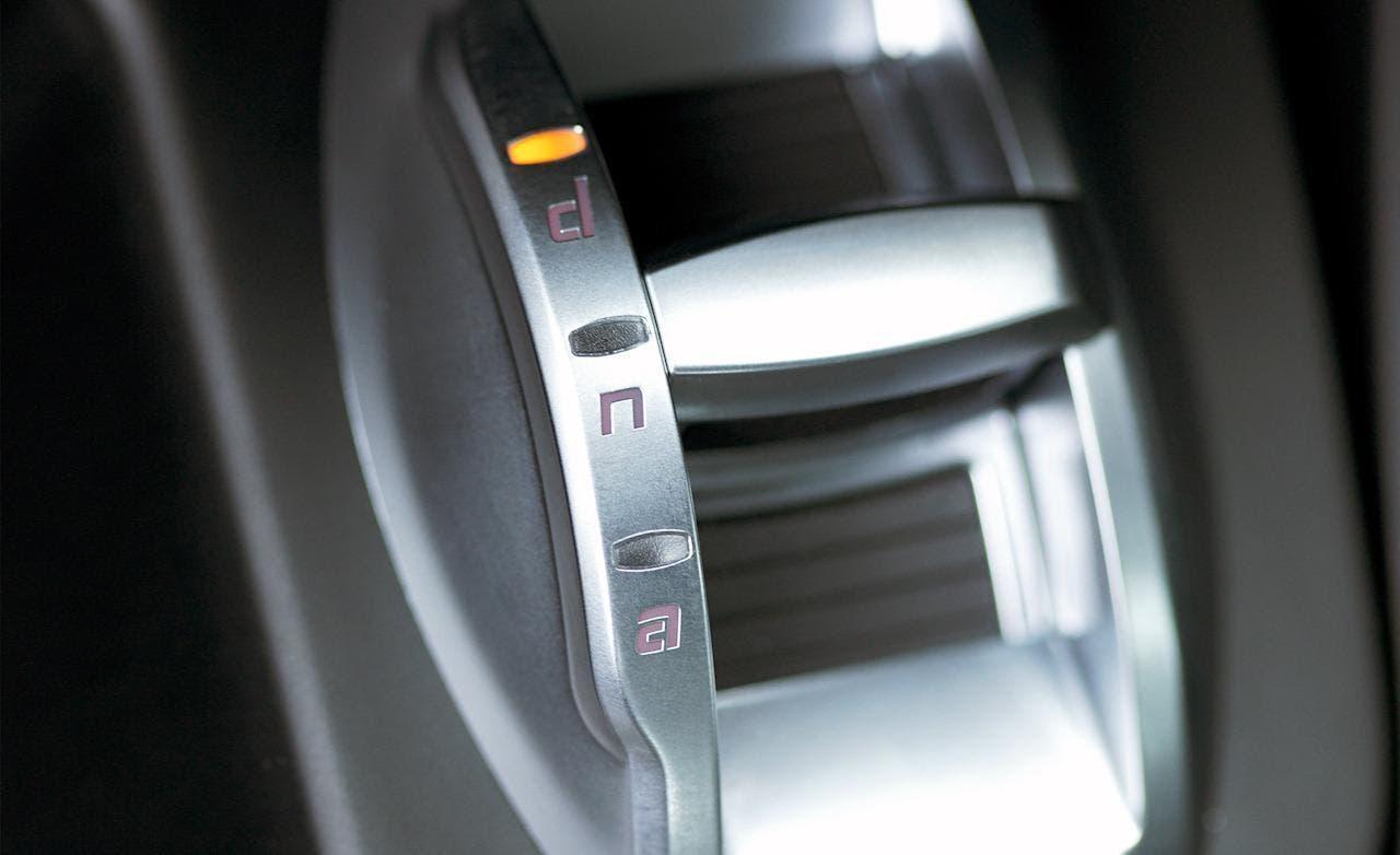 alfa romeo dna tecnologia per controllare al meglio l 39 auto. Black Bedroom Furniture Sets. Home Design Ideas