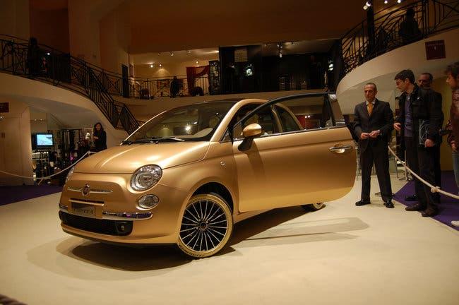 Fiat 500 in oro 24 carati