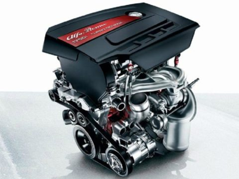 Alfa-Romeo-4C-Engine2