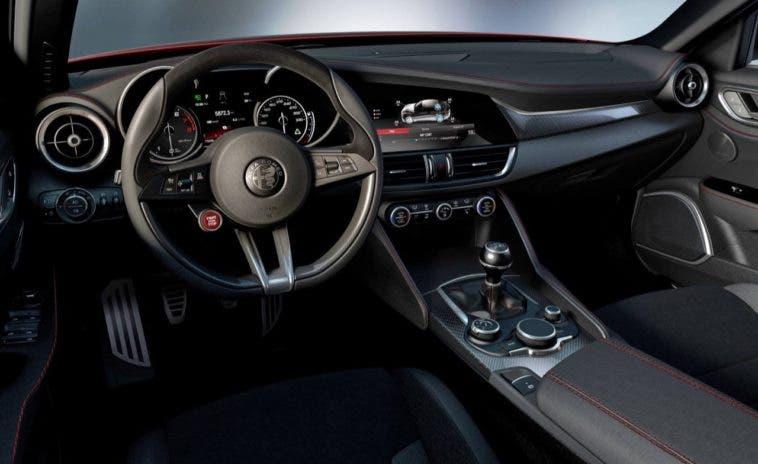 Alfa Romeo Giulia interni