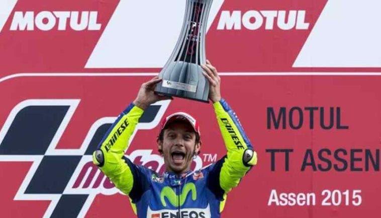 MotoGp, Assen: Rossi show, battuto Marquez all'ultima curva