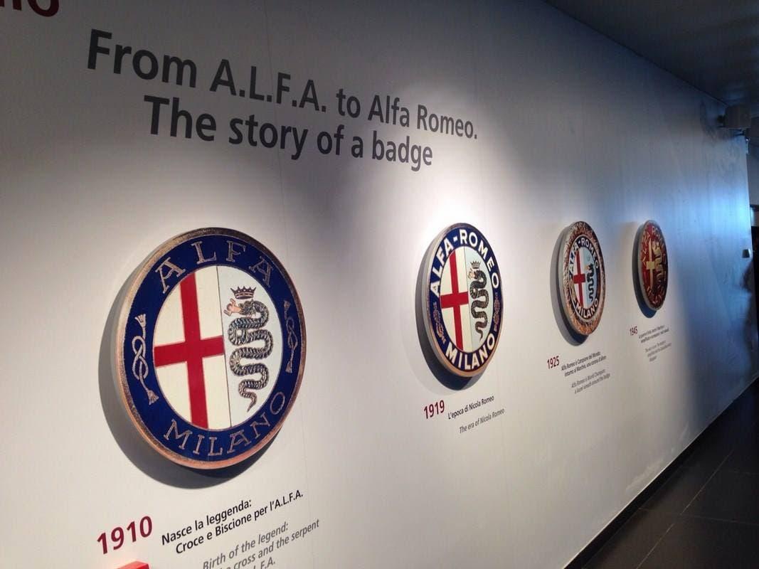 Museo Alfa Romeo 2015 loghi e fregi storia