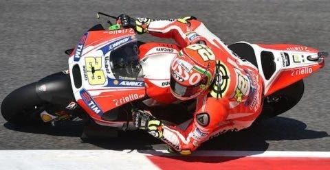 Andrea Iannone con un casco speciale per il GP d'Italia.