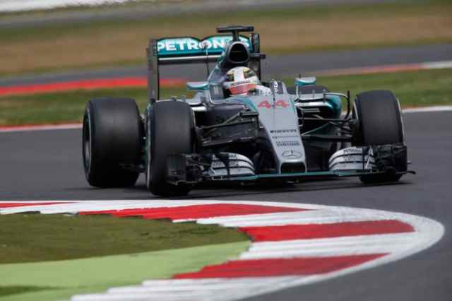 Silverstone: Hamilton pole, delusione Ferrari. Diretta streaming Tv