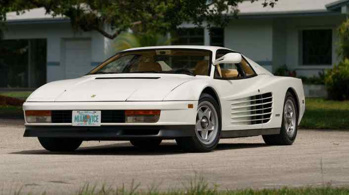 "Ferrari Testarossa ""Miami Vice"" in vendita all'asta"