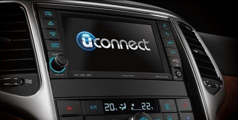 Jeep-Cherokee-sistema-Uconnect