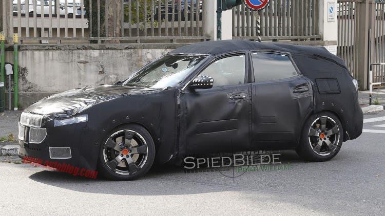 Maserati Levante, nuove foto spia mostrano un prototipo quasi completo