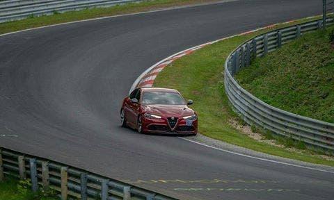 Alfa Romeo Giulia Quadrifoglio: parla l'autore del record al 'Ring'