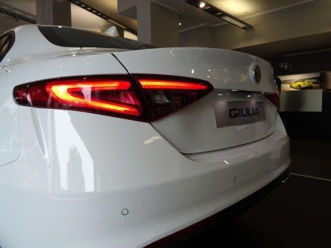 Club Alfa Romeo Giulia posteriore