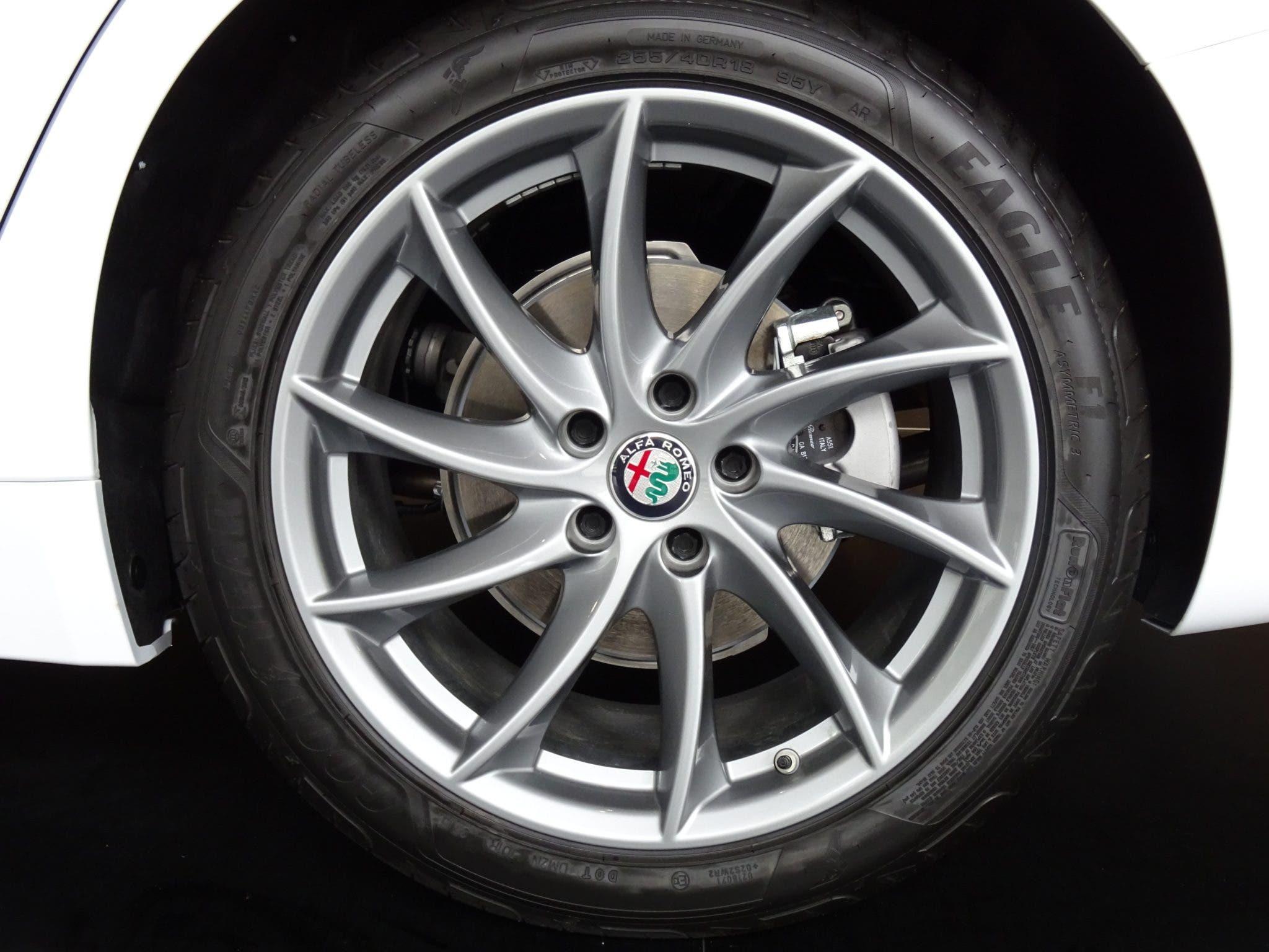 Club Alfa Romeo Giulia cerchi gomme