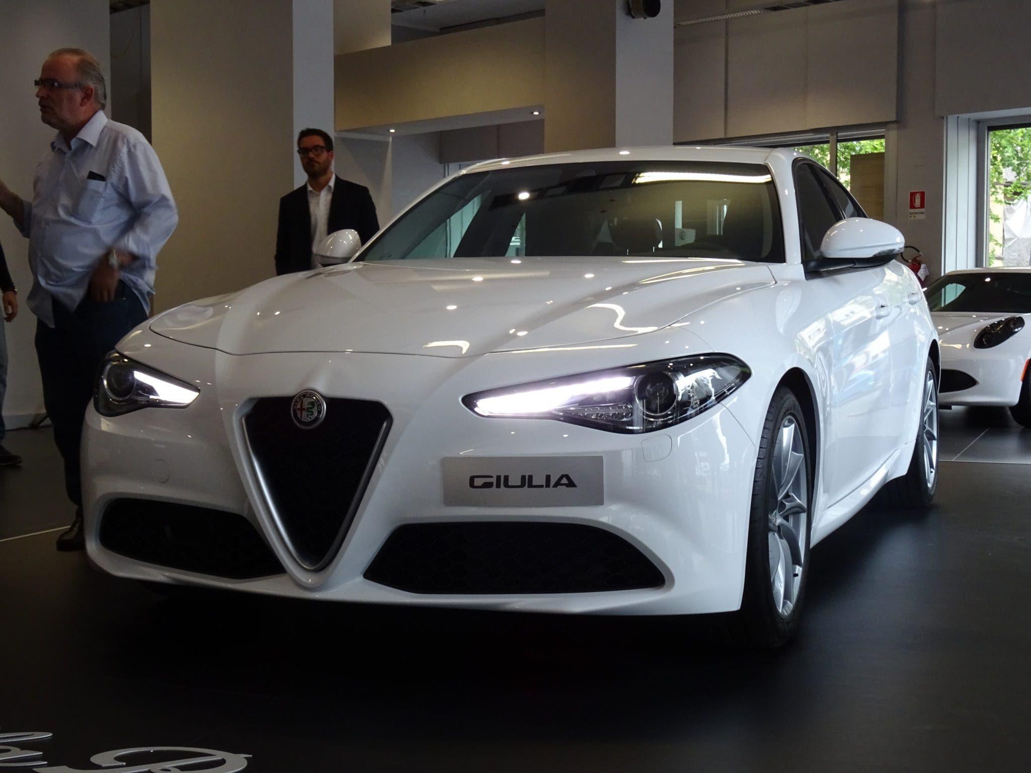Club Alfa Romeo Giulia frontale