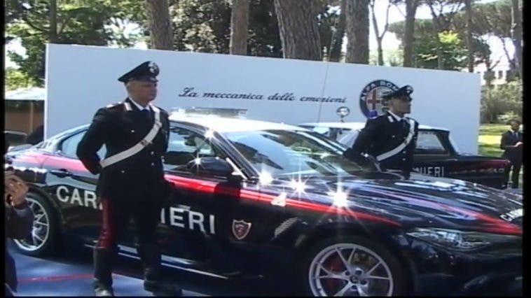 alfa giulia carabinieri livrea