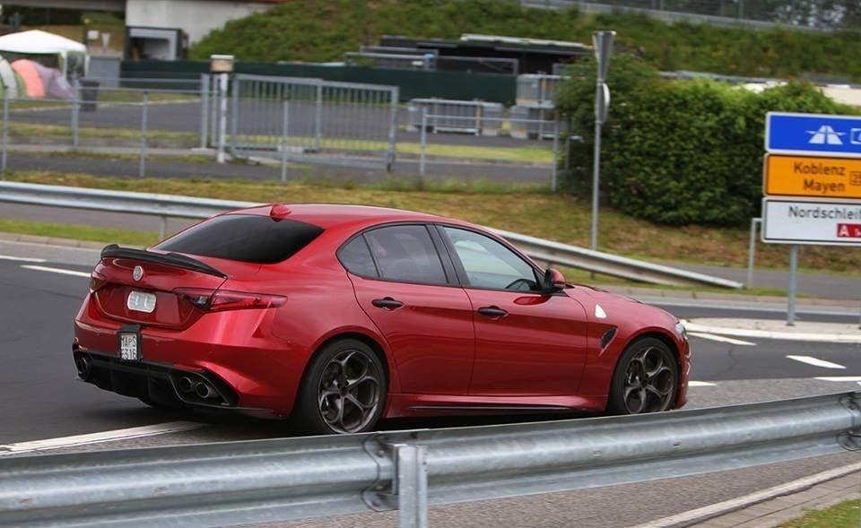 Alfa Romeo Giulia Quadrifoglio rossa Nurburgring