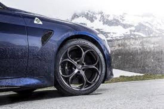 Alfa Romeo Giulia Quadrifoglio: gli scatti di James Lipman per Top Gear UK