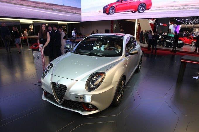 Alfa Romeo approda a Parigi con la Giulia Veloce