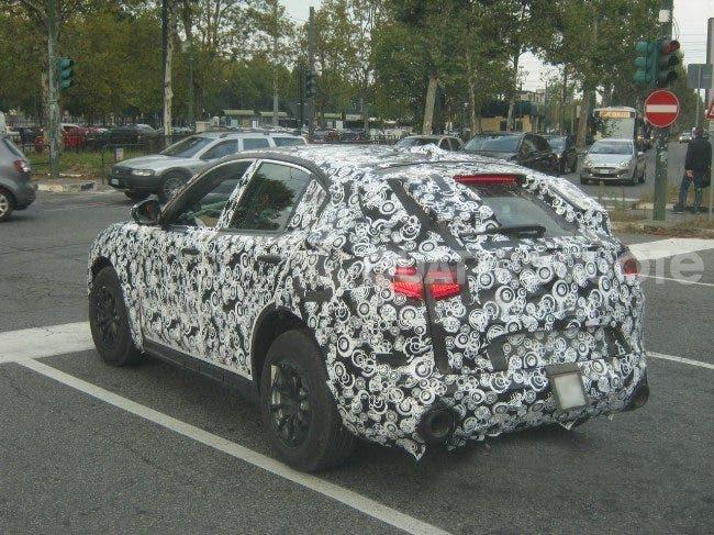 Alfa Romeo Stelvio: in attesa di Los Angeles nuove foto spia