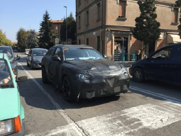 Alfa Romeo Stelvio Quadrifoglio: foto spia da Modena