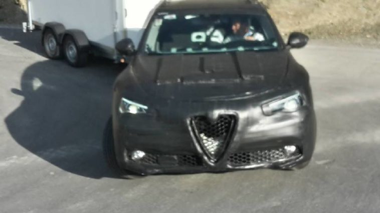 Frontale della nuova Alfa Romeo Stelvio