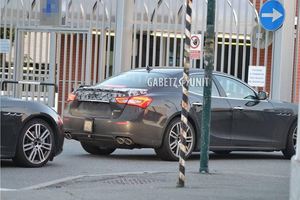 Maserati Ghibli 2017: le ultime foto spia provengono da Facebook