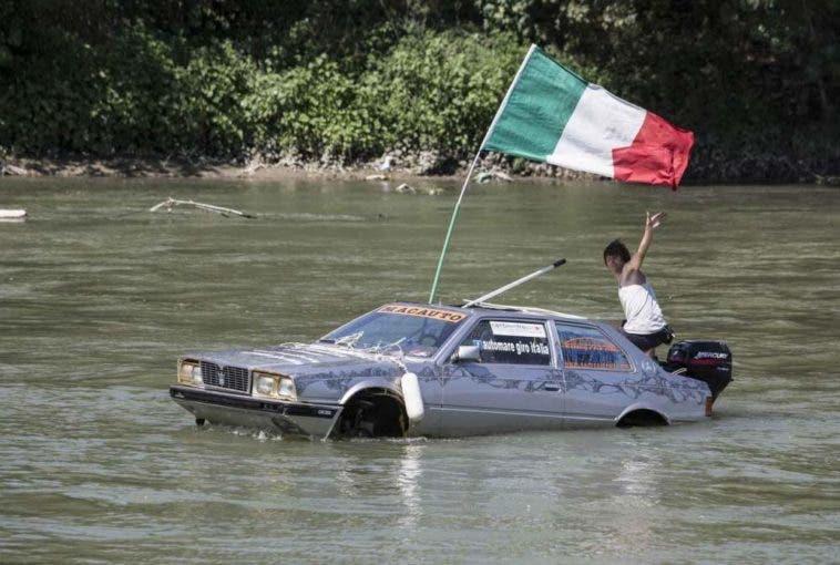 Maserati Biturbo galleggiante