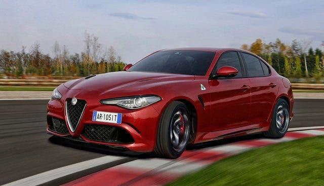 Alfa Romeo Giulia rossa Record giro in pista nurburgrind