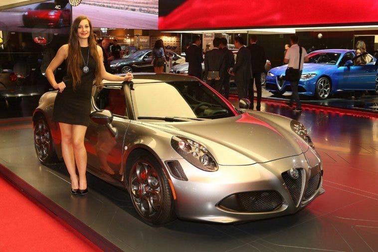 L'Alfa Romeo 4C Coupé al Salone di Parigi 2016