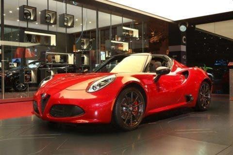 L'Alfa Romeo 4C Spider Salone di Parigi 2016