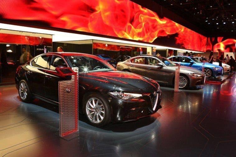 Alfa Romeo Giulia 2.0 benzina Salone di Parigi 2016