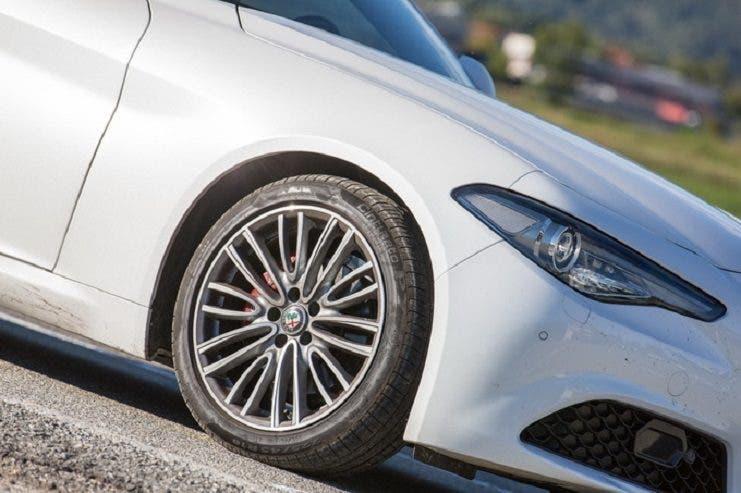 Alfa Romeo Giulia e Pirelli Cinturato P7. Credits: Motorionline