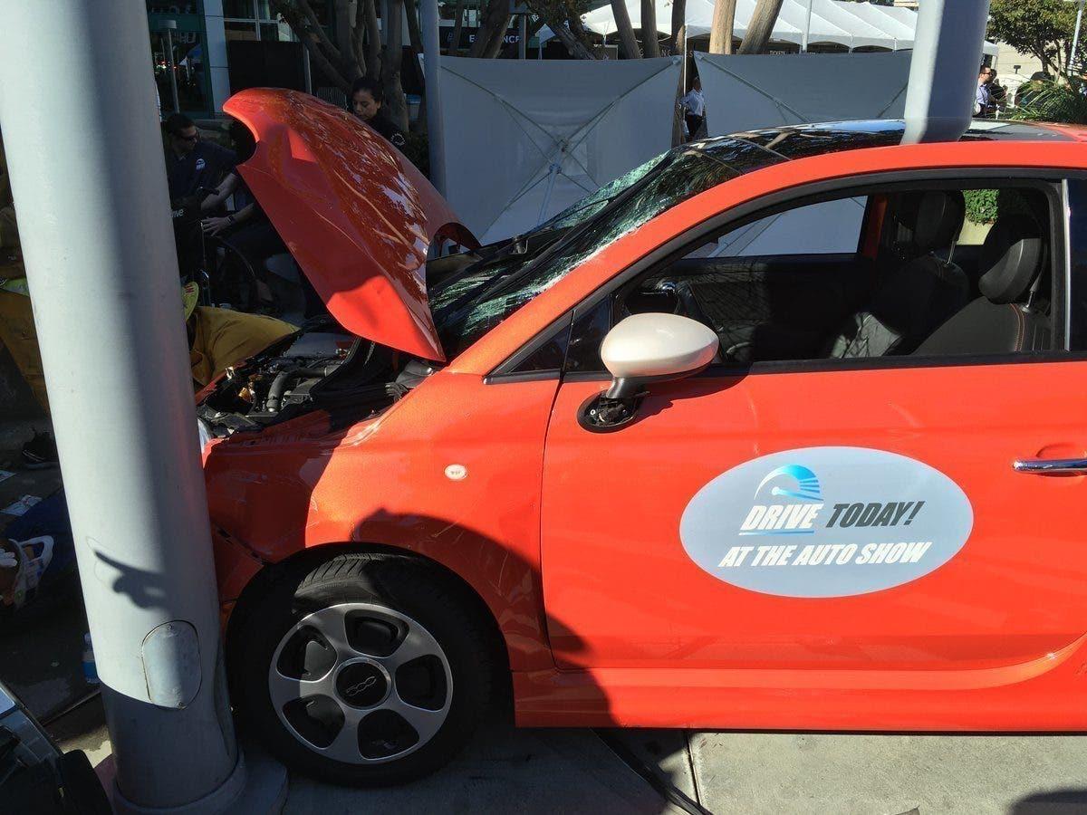 Fiat: otto feriti in incidente fuori dal Los Angeles Auto Show