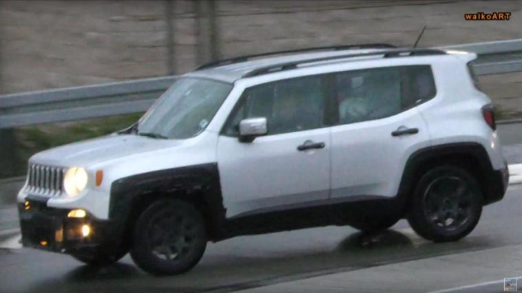 Foto spia Jeep Renegade restyling