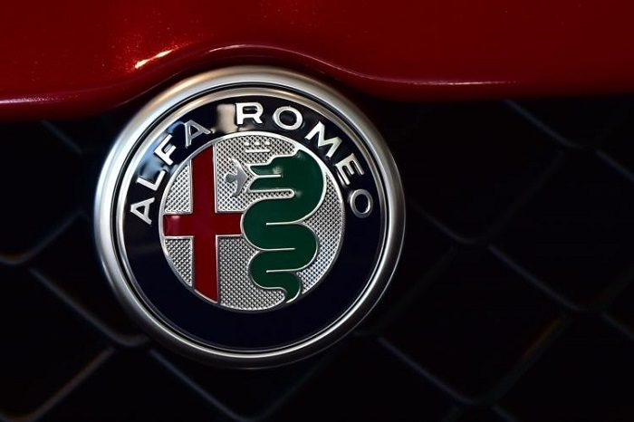 Alfa Romeo 6C 2020 render concept