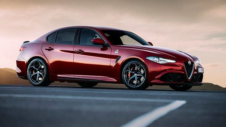 alfa romeo giulia arriva in finale al concorso car of the