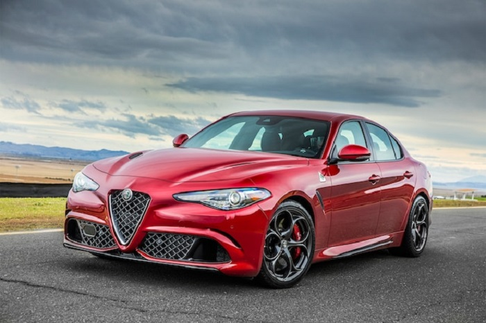 Alfa Romeo Giulia Red Dot Awards