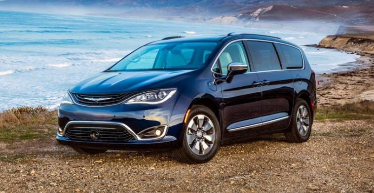Chrysler Pacifica Hybrid Canadian Green Car Awards