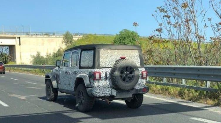 Jeep Wrangler Unlimited foto spia