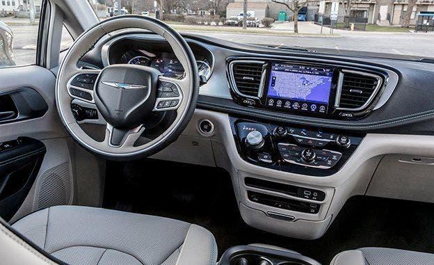 Chrysler Pacifica Hybrid Italia