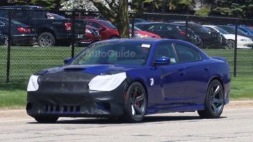 Dodge Charger Hellcat 2019 foto spia